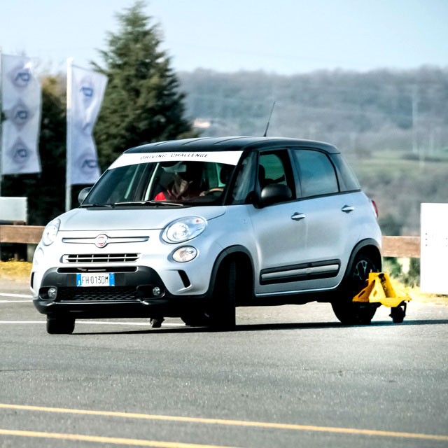 Fiat-500-L-Skid_frontale_640px